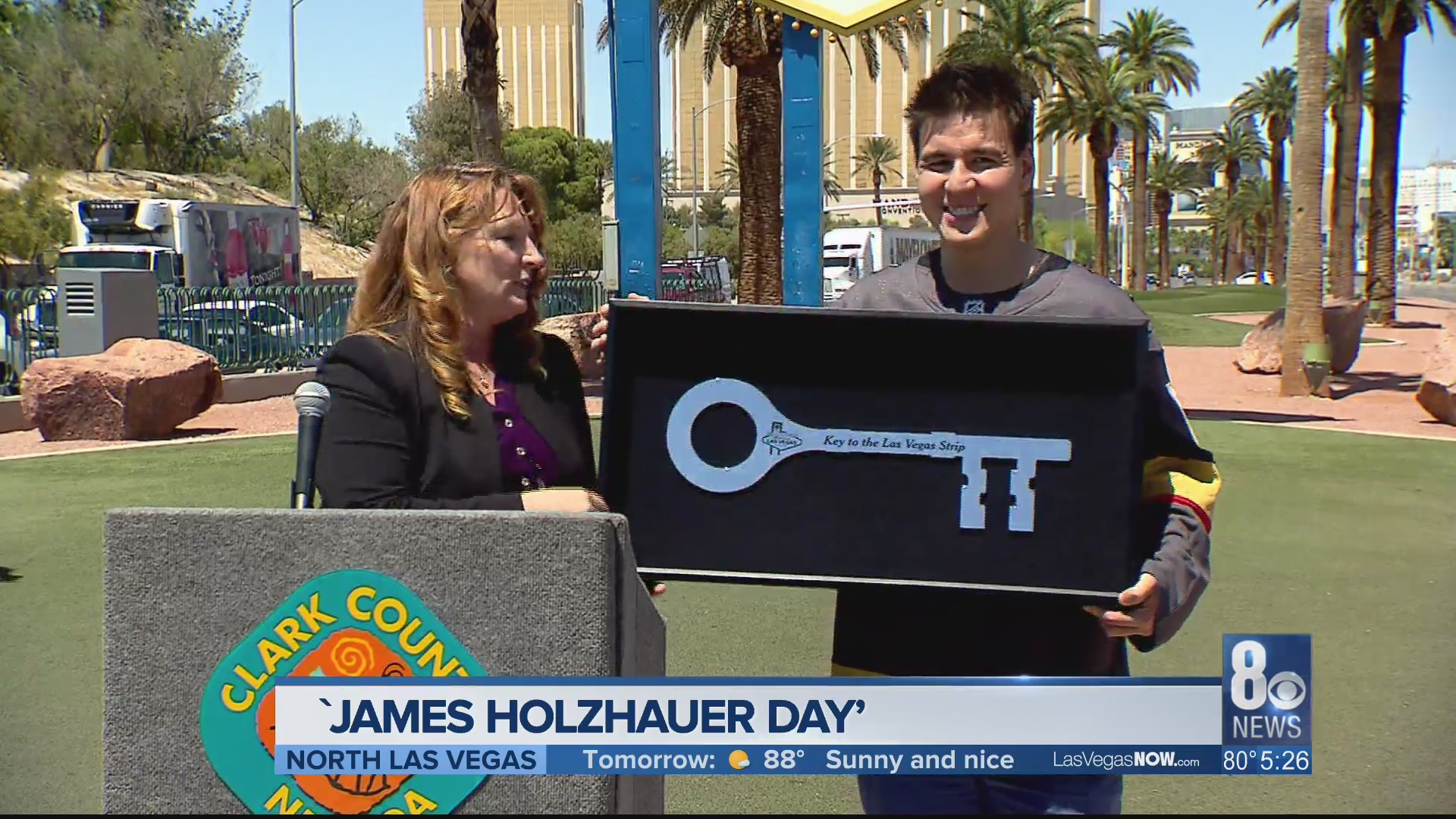 'Jeopardy' champion gets key to Las Vegas Strip