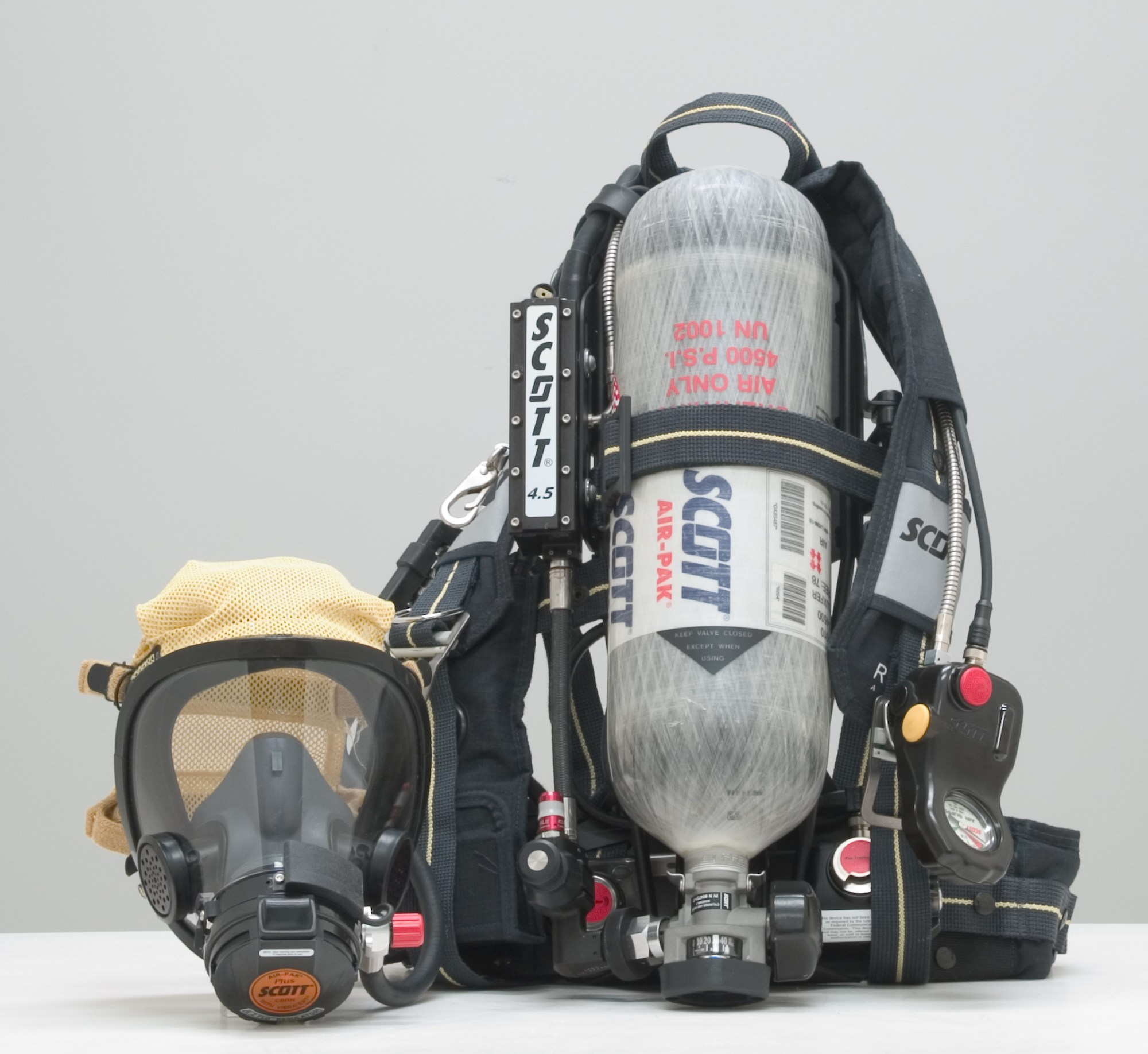 hight resolution of  self contained breathing apparatus scba