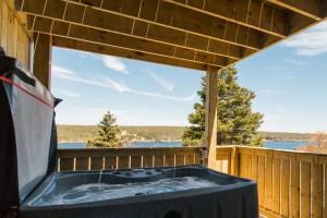 Humpback Whale Suite Private Hot Tub