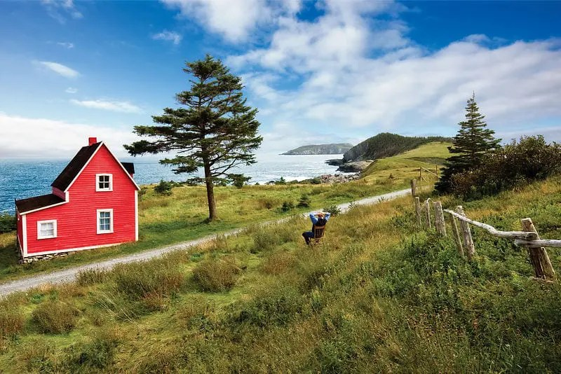 10-things-you-should-do-on-your-vacation-to-newfoundland-labrador-red-house-tors-cove