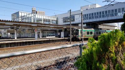 仙台サッポロビール園のビオトープから撮影した名取駅の電車_20200820_134203