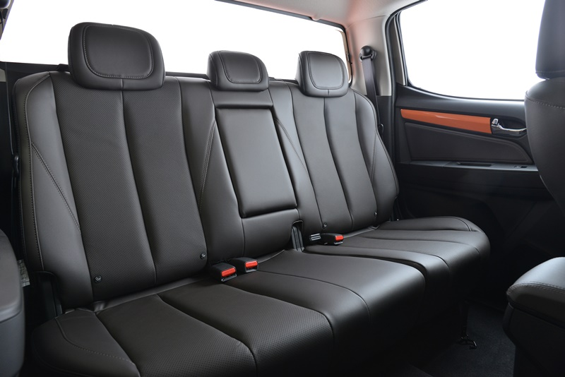 18 2019 Colorado High Country STORM Orange Crush Rear Seat