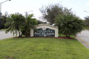 An outdoor welcome sign to Port St. Lucie, Florida.