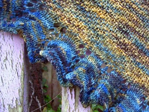 Detail of the moss stitch shawl