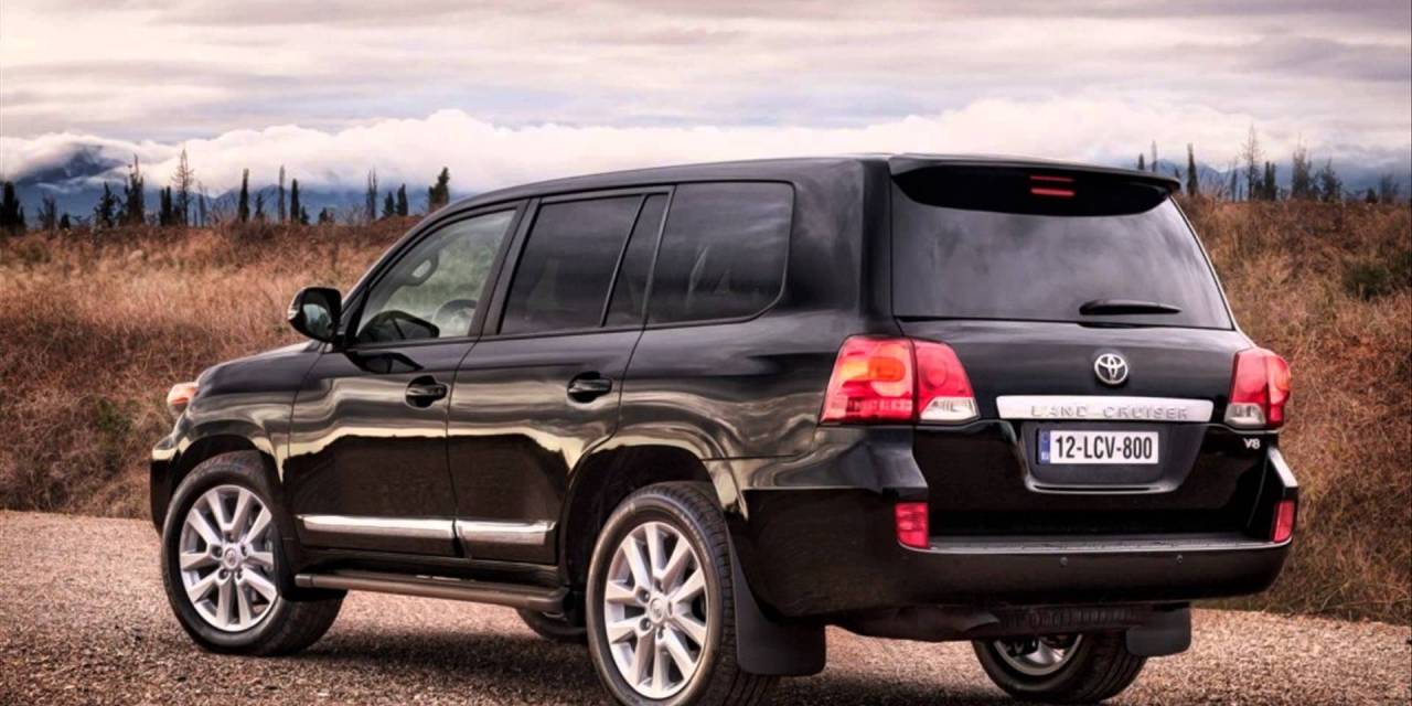 2014 Toyota Land Cruiser Review