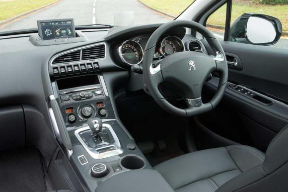 2014 Peugeot 3008 THP interior