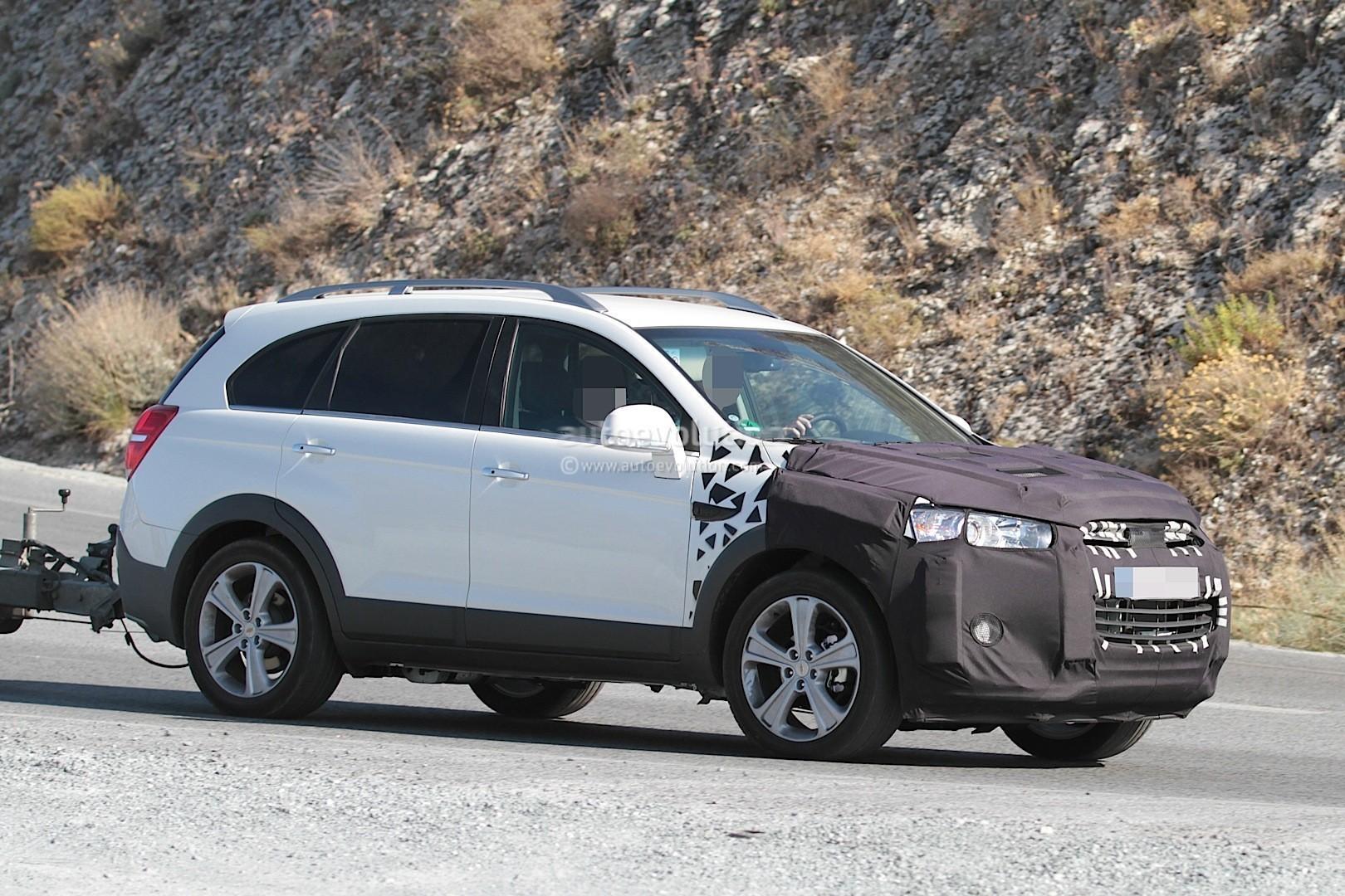 Kelebihan Kekurangan Chevrolet Captiva 2015 Review