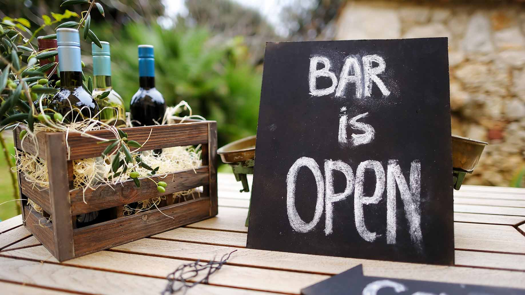 How Much Does an Open Bar at a Wedding Reception Cost  Prices