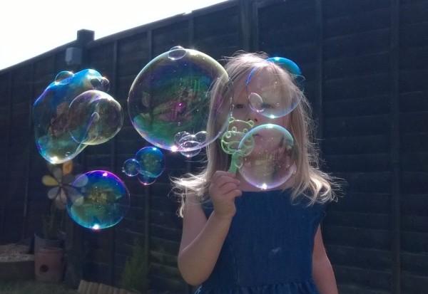 best bubble mixture, make your own bubbles