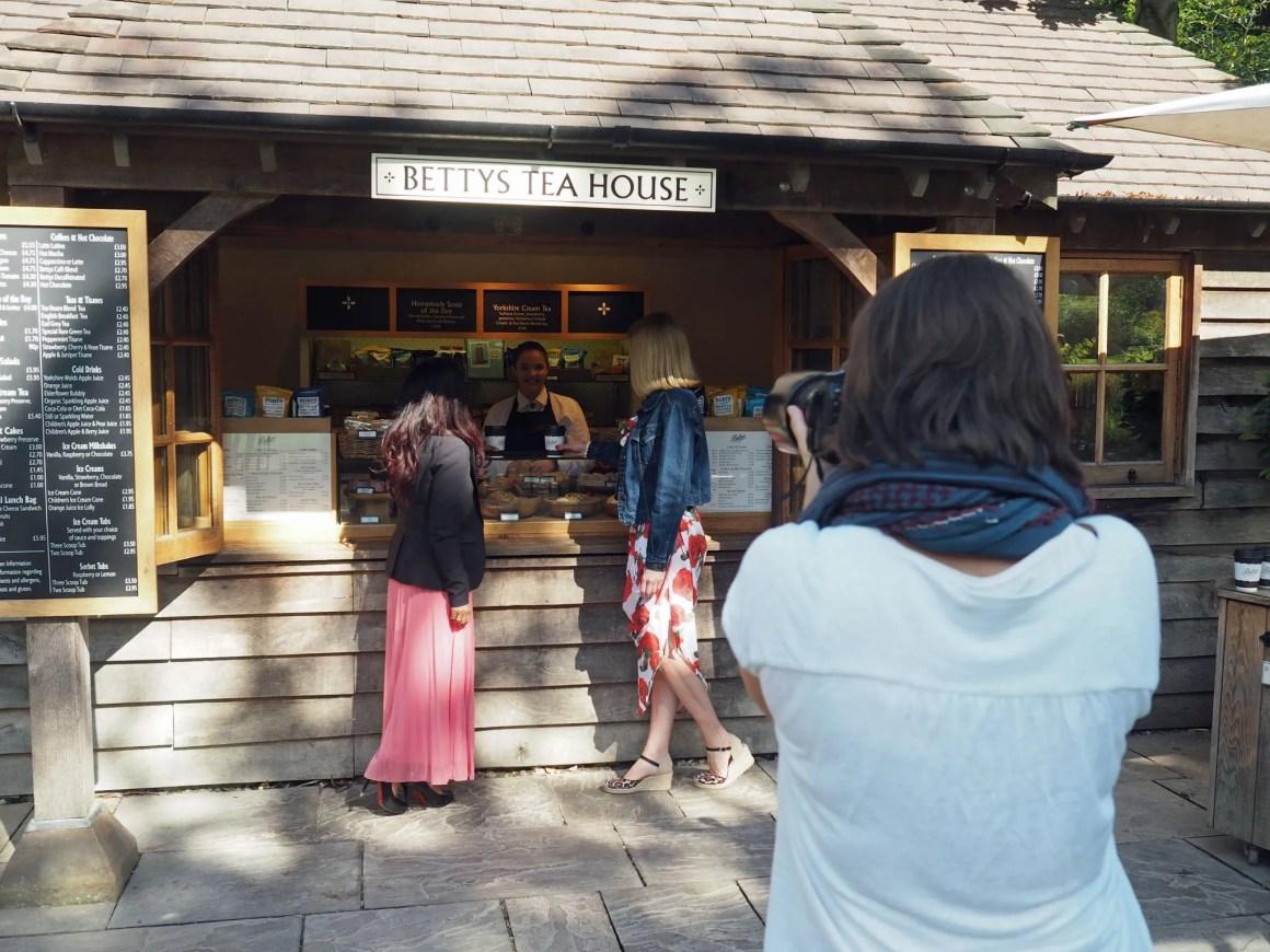 what-lizzy-loves-photo-shoot-bettys-harlow-carr-harrogate-tea-house