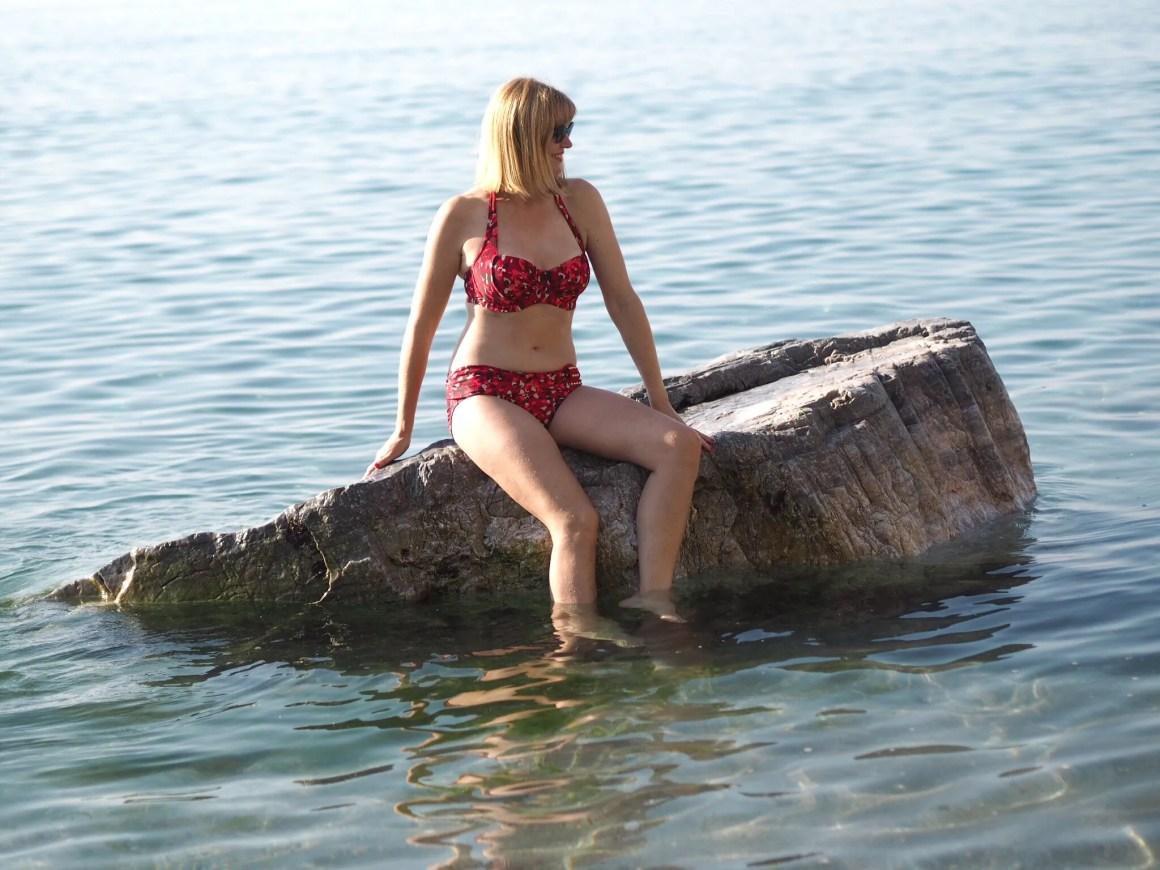 0ver-40-blogger-what-lizzy-loves-wearing-red-leopard-print-halter-neck-bikini-nerja-spain