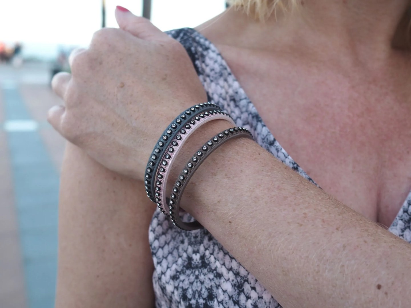 what-lizzy-loves-holidayoutfits-holiday-outfits-pink-wrap-bracelets-snakeprint-maxi