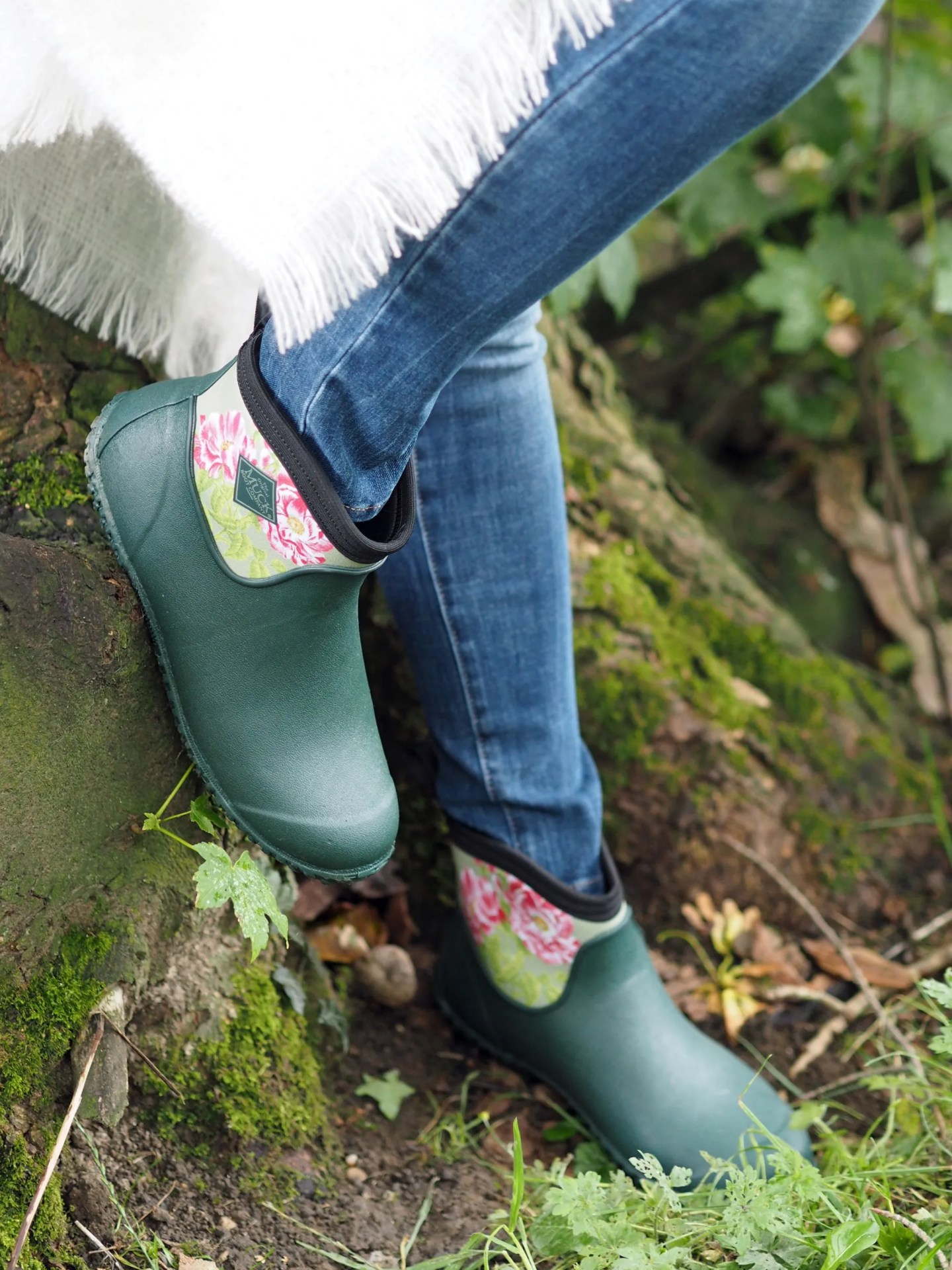 what-lizzy-loves-cream-mohair-serape-jeans-short-green-wellies-wellingtons-muck-boots