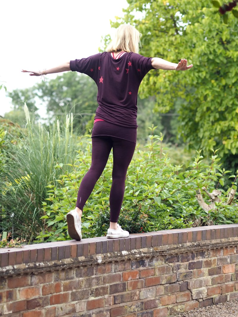 What-Lizzy-loves-bamboo-yoga-clothes-leggings-asquith