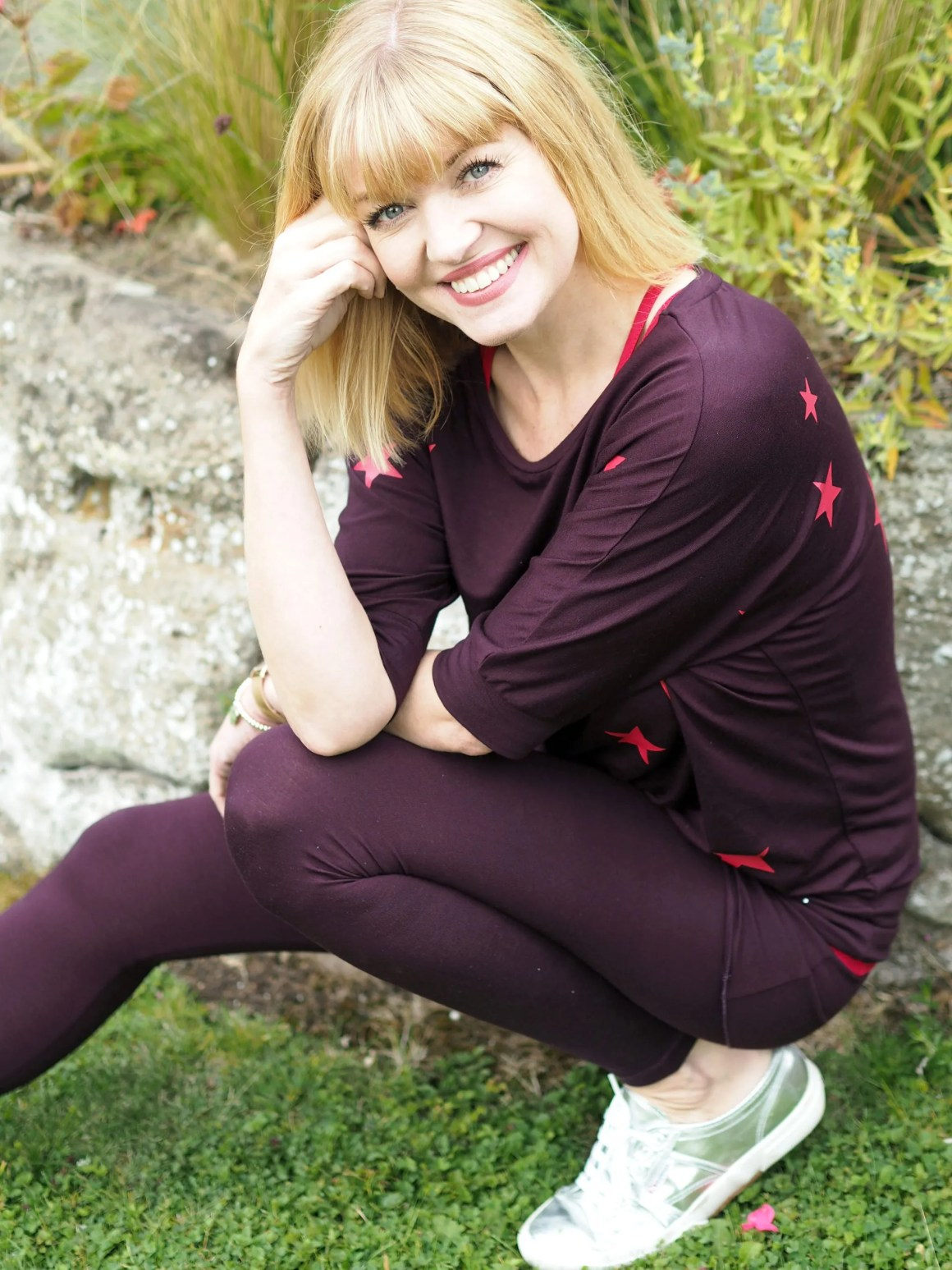 What-Lizzy-loves-bamboo-yoga-clothes-stars-top-leggings
