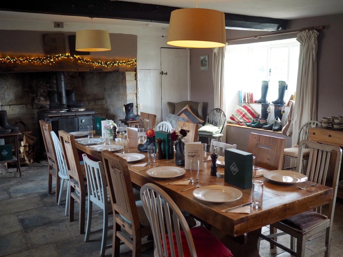what-lizzy-loves-dining-room-river-cottage