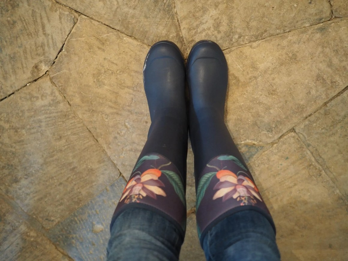 what-lizzy-loves-dining-room-river-cottage-muck-boots-wellingtons