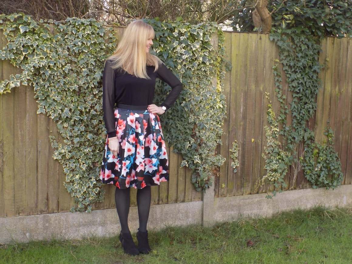 what-lizzy-loves-high-heeled-ankle-boots-knee-length-skirt