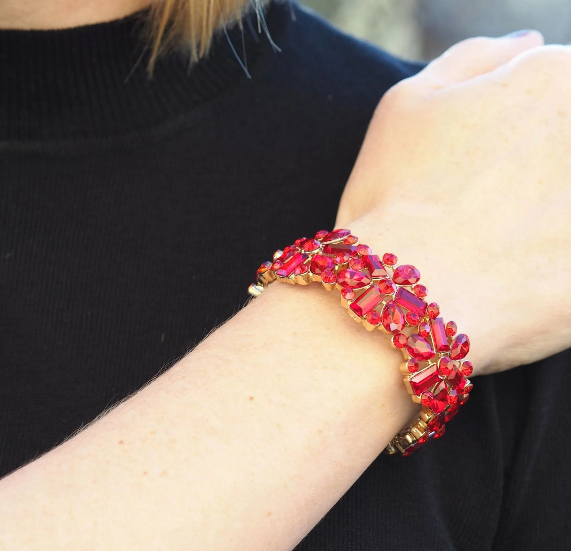 What Lizzy Loved red glass stretch bracelet