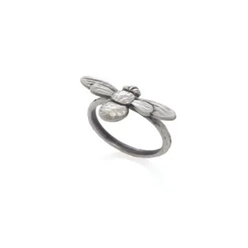 what-lizzy-loves-boutique-silver-honey-bee-ring