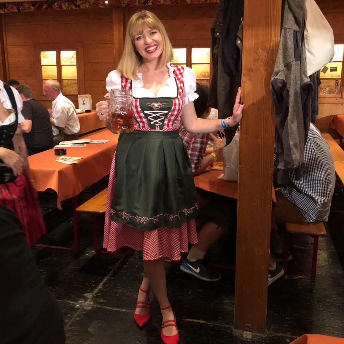 Stuttgart beer festival, Lizzy dirndl
