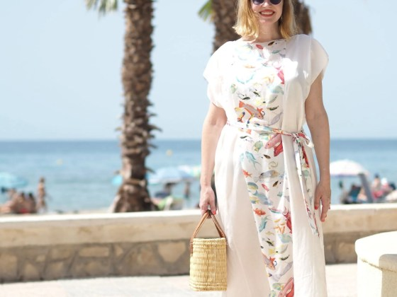 Rose Fulbright fish kaftan, Calpe seafront 5