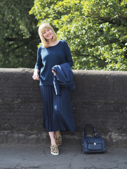 navy transitional outfit