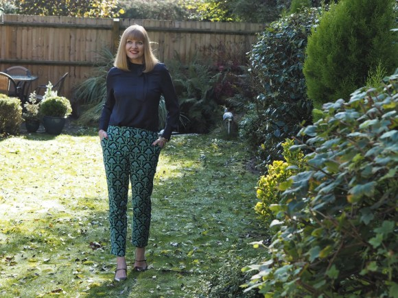 Boden green patterened velvet trousers (3)