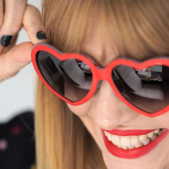 red heart eyewear