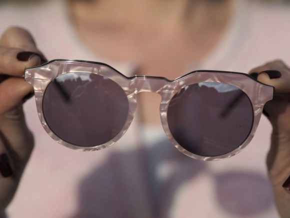Pal pink marbled eyewear