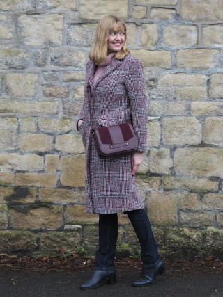 burgundy tweed coat and jeans