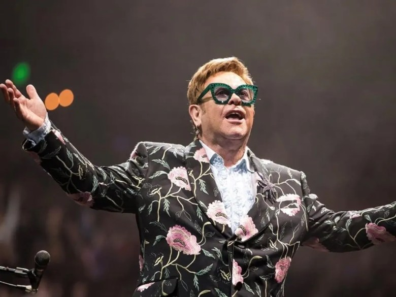 celebrity spectacle looks. Elton John