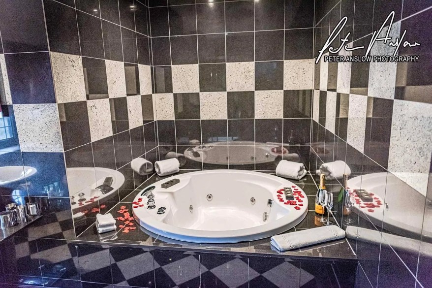 ble jacuzzi bath