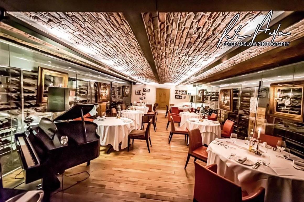 Riviera restaurant Hillbark hotel