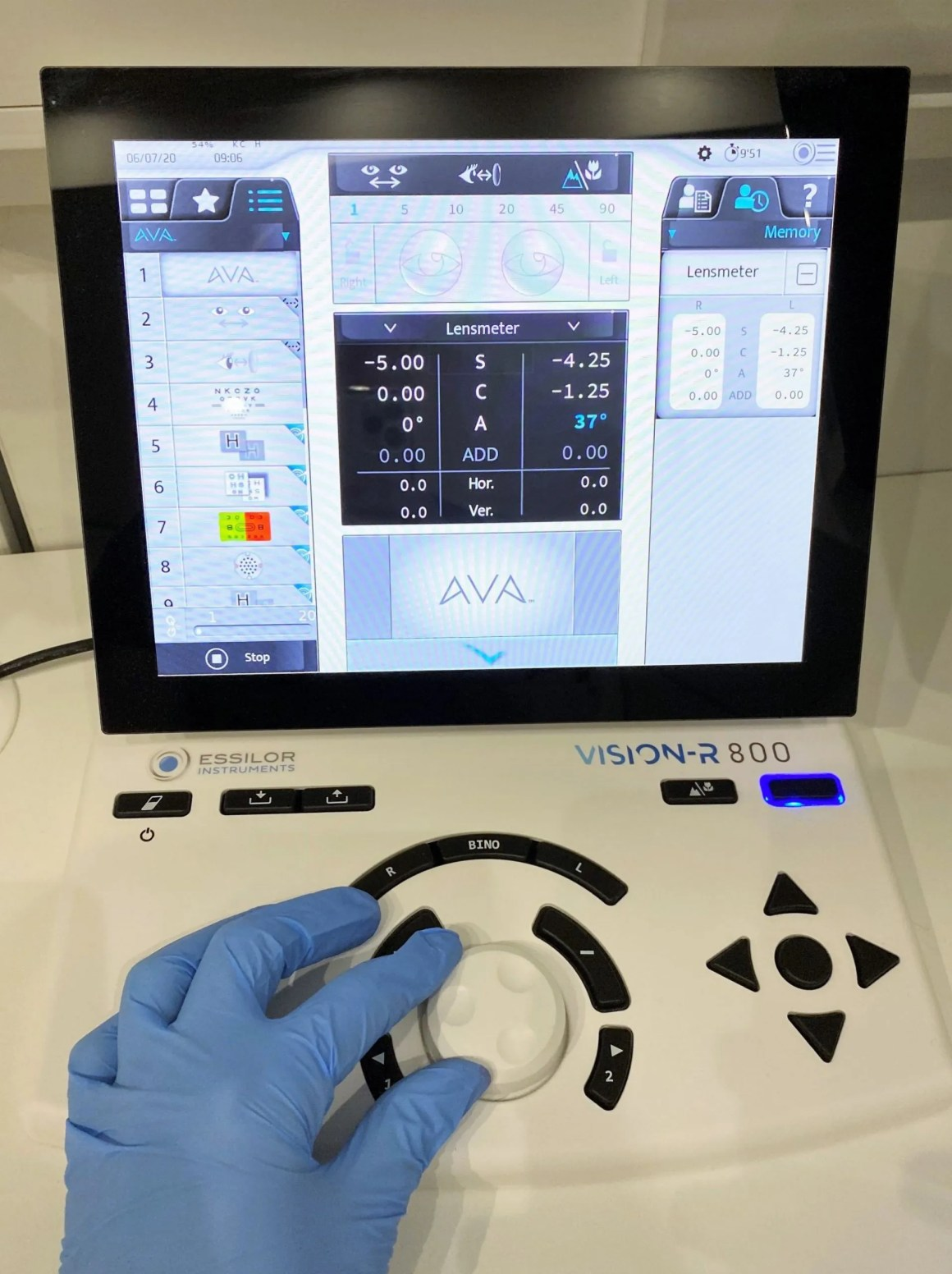 Essilor phoropter console