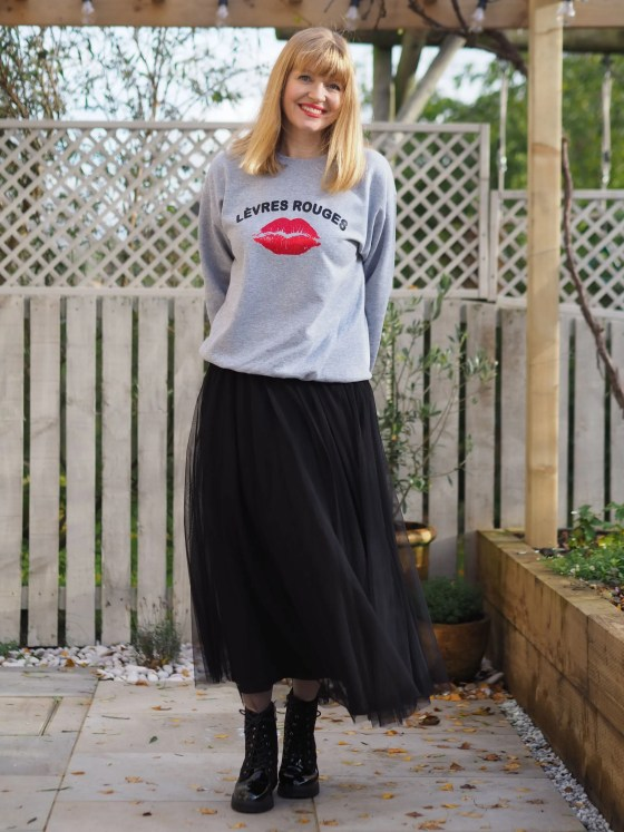 Levres rouges sweatshirt with tulle maxi skirt