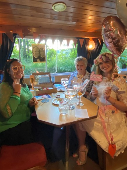 Hen party gin cruise (183)