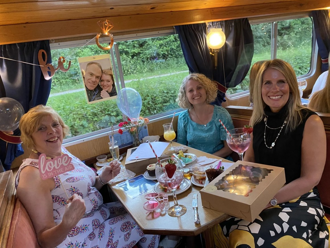 hen party Skipton canal cocktail cruise