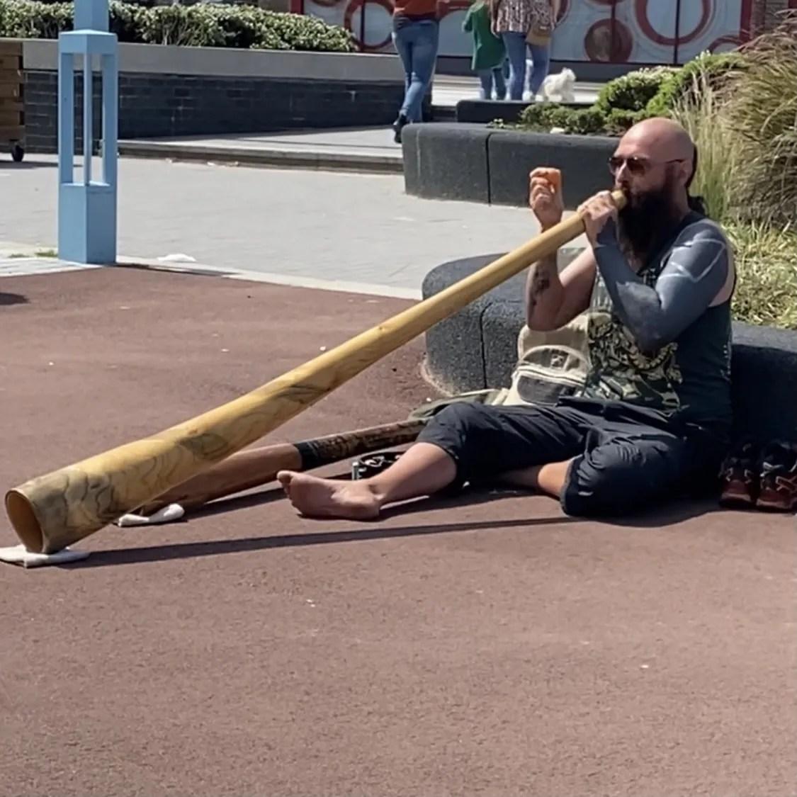 didgeridoo player Whitley Bay