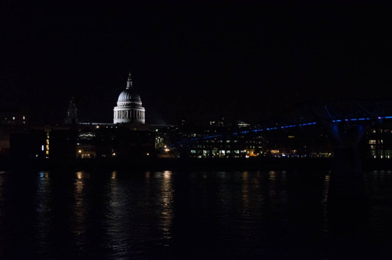 St. Pauls Cathedral by night