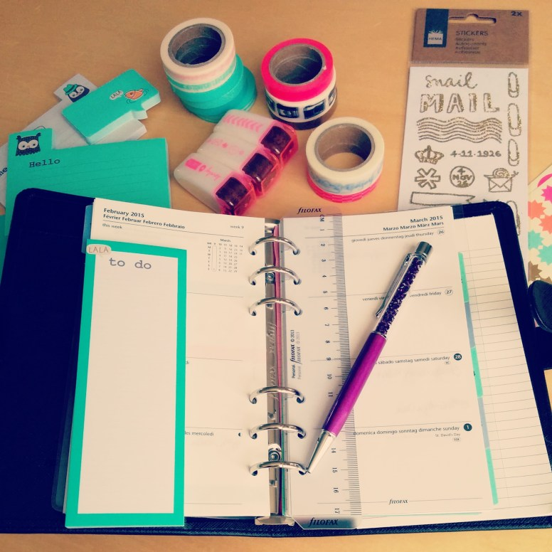 Starting the week with organising and playing around with fun washi tape ;)