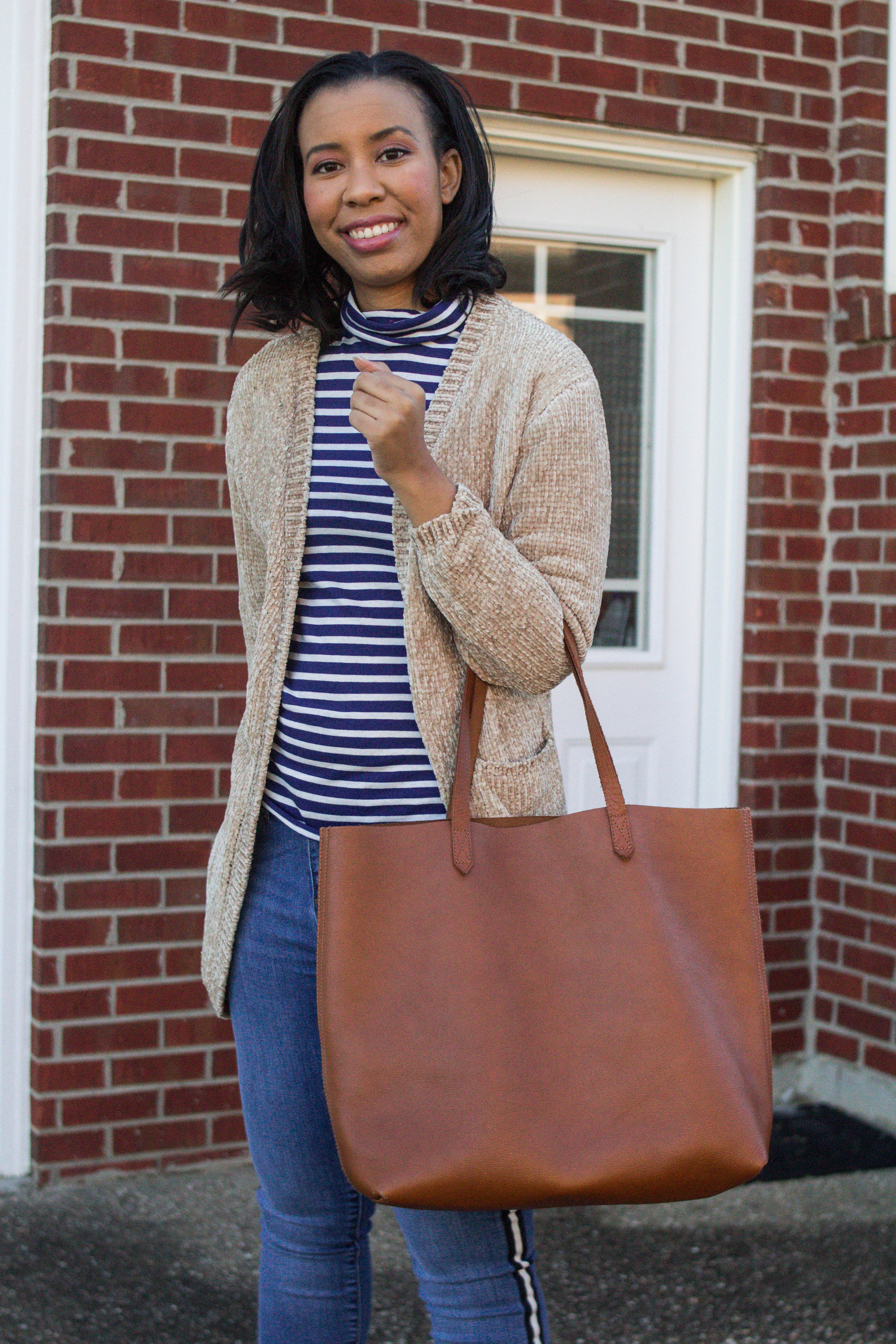 Popular style blogger, What Nicole Wore, shows how to take ten wardrobe staples and create twenty fall outfits with a fall capsule wardrobe. // naked cherry eyeshadow look, striped turtleneck, j crew tissue turtleneck, leather tote, carryall bag, madewell transport tote, beige cardigan outfit ideas, everyday outfits capsule wardrobe