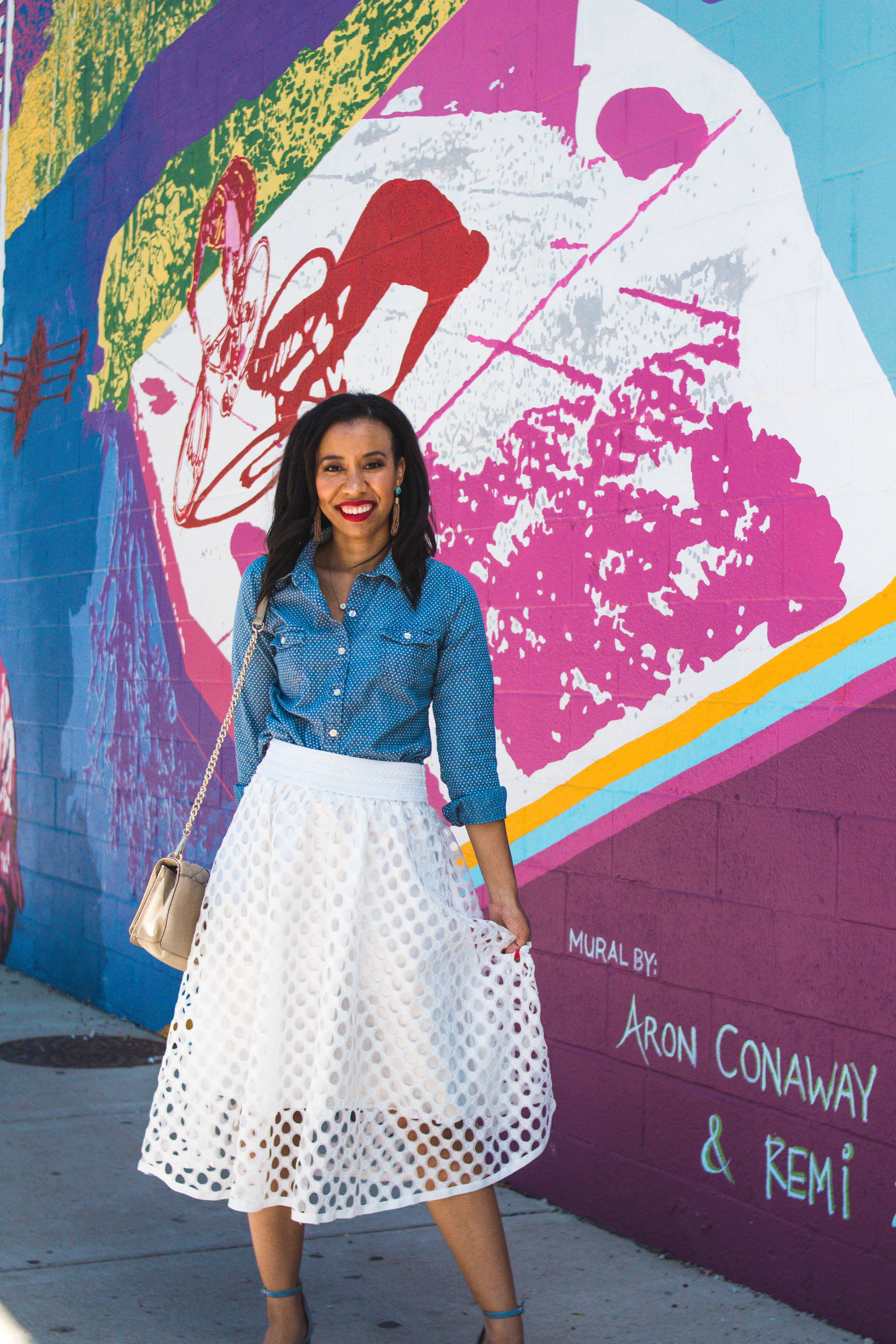 Have you ever tried dating apps? Lifestyle blogger, What Nicole Wore, shares what men needs to stop doing on their dating profiles. // skirt outfits modest, skirt outfits summer casual, chambray shirt outfit for work, old navy outfits summer, easy summer outfits