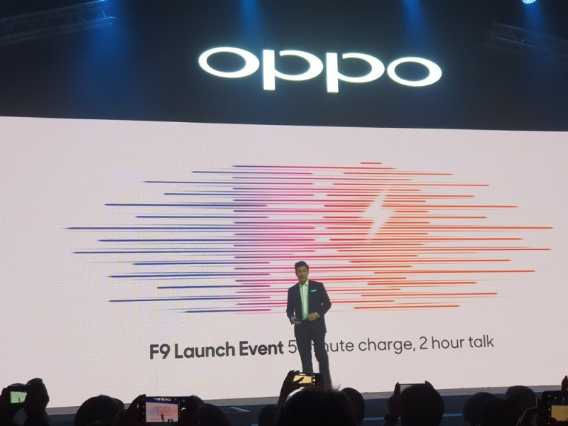 OPPO F9 Launch VOOC Flash Charge