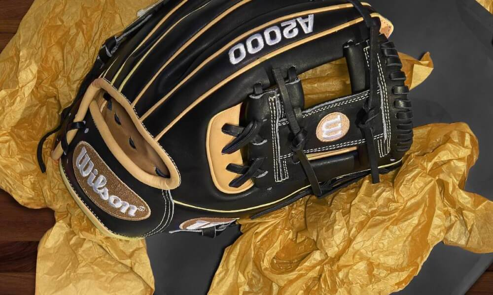 3d8be70755d5 What Pros Wear: Top 11 On-Field Gear Gifts on WPW's Christmas List ...
