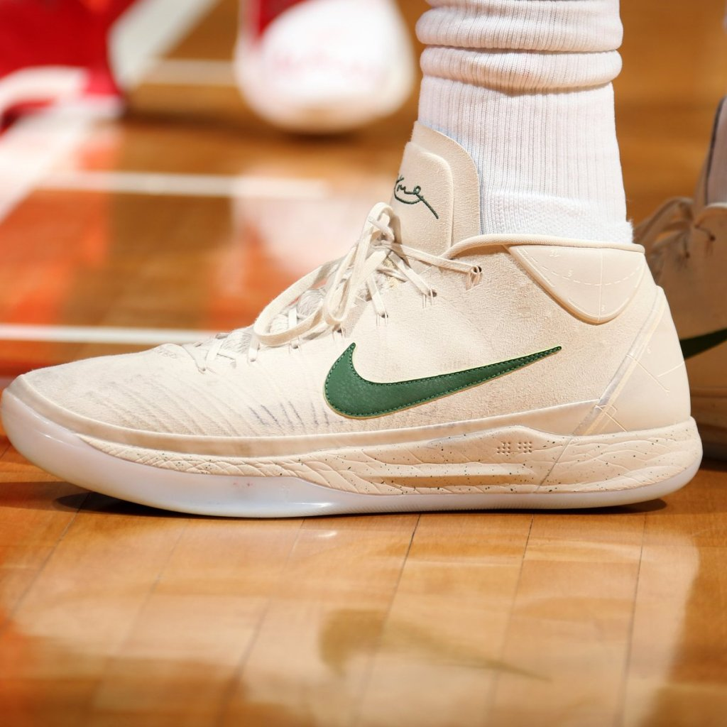 4b87fe4c2569 What Pros Wear  Giannis Antetokounmpo s Nike Kobe A.D. 2017 Shoes - What  Pros Wear