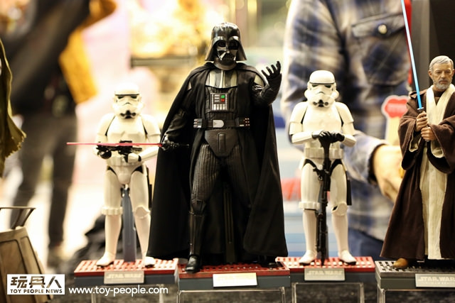Hot-Toys-Star-Wars-at-Toy-Soul-012