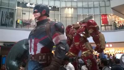 Capt. America & Hulk Buster