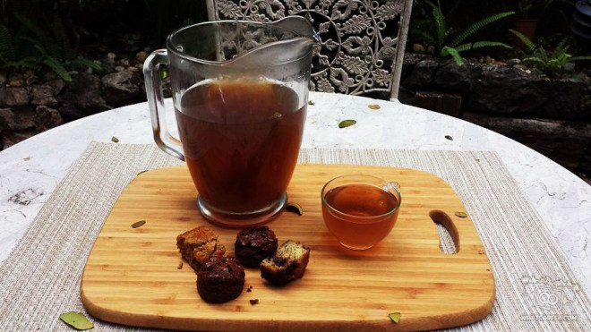 Kurikipu's Lemongrass Tea, Chocolate Banana Bread, and Butterscotch Brownies.