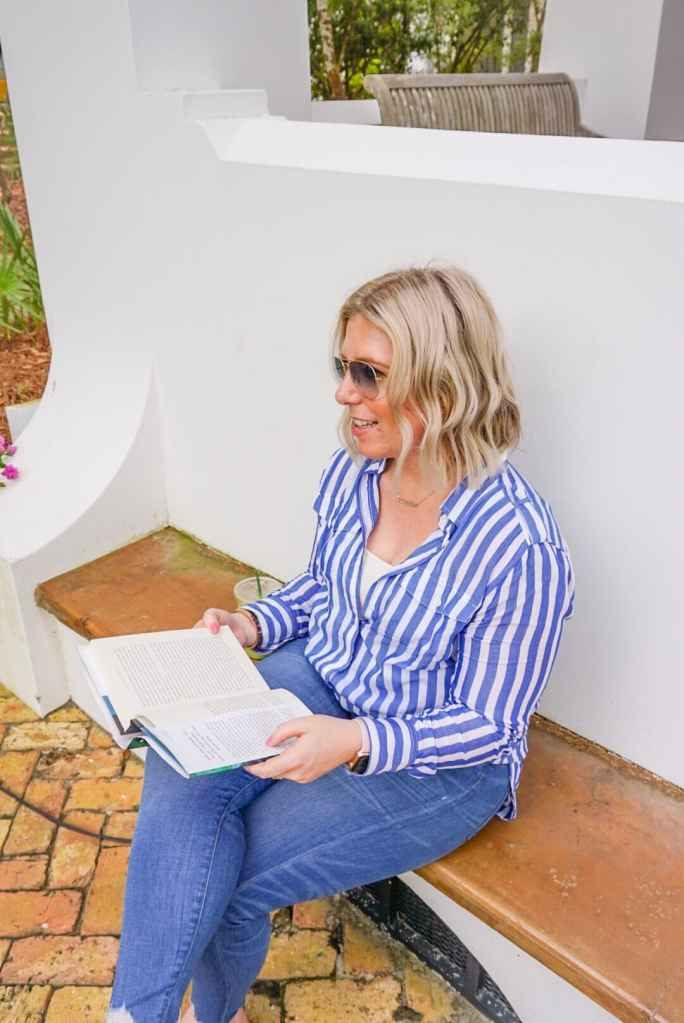 What I'm Reading Lately: The Summer Beach Bag Addition #whatsavvysaid #whatimreading #bookclub #laurengraham #dollyaldteron #saraholland #celesteng #ajfinn #beachreads